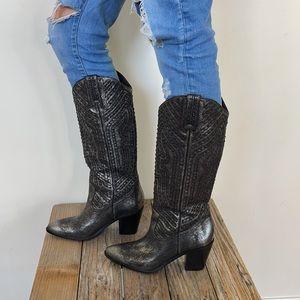 NWOT Frye Women's Faye Stud Pull On Boots